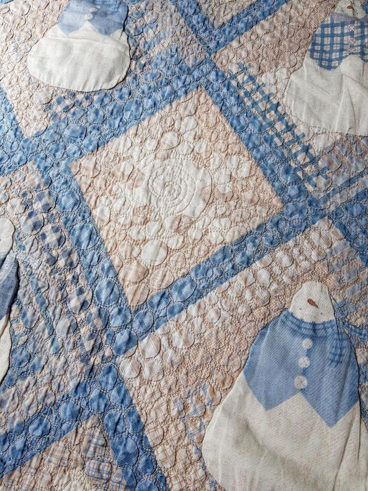 Quilt de tecido importado feito numa longarm machine quilting pela professora Eliana Zerbinatti