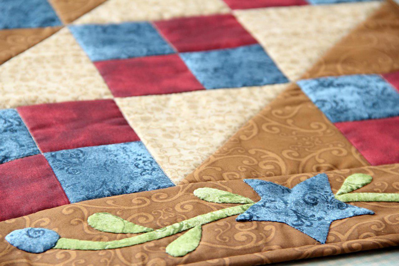 Exemplos de trabalhos realizados com os materiais e os projetos do Quilt in Box, o primeiro Clube de Assinaturas de Patchwork e Quilting do Brasil!